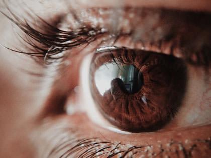 lähikuva silmästä